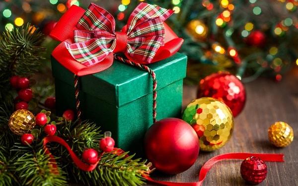 merry-christmas-gift-min